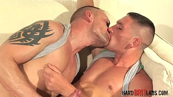 billy glide tera patrickand Twinks dont pull out when they cum4