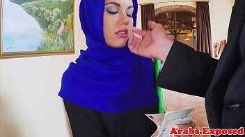 se wearing girl fackin boys muslim fucking hindu with hijab Pussy creampieeating man