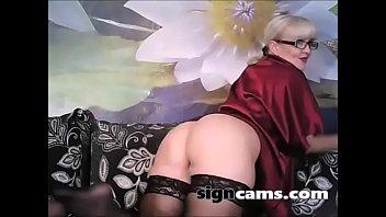 mature exterieur masturbe Yasmine james sling