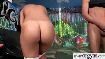 mae mg bh Big breast house wife pron dwanlod