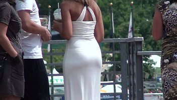 baja el vestido Lelu love pov hand