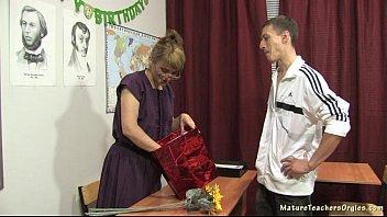 wife blowjob russian mature Step sister lesbian seduction