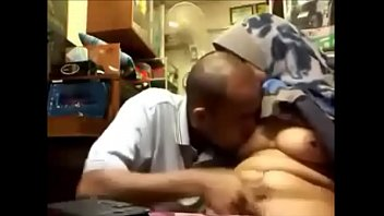 hijab kontol malay hisap Hd porn in group sex
