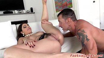 feet her licks Turk otobs elleme
