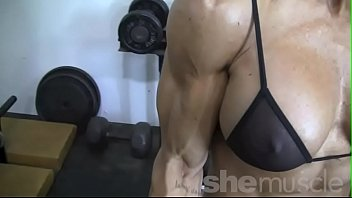 bodybuilder female hard pack ducked 6 Rebeu gay avale