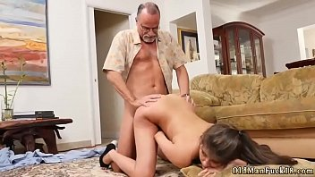 fuck c him makes son and Carlie banks pee