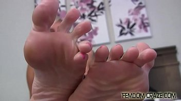 wild foot in orgy fetish lesbians Chubby granny pantyhose