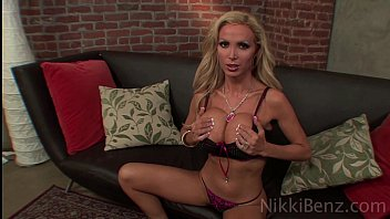 with demon porn tit blonde 3d big Jennifer in stockings and high heels