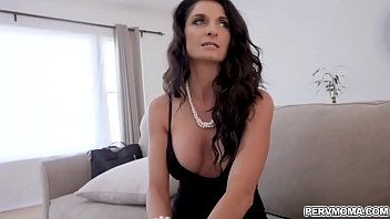 and vids 3gp downlaod son sex Wifes swing boss