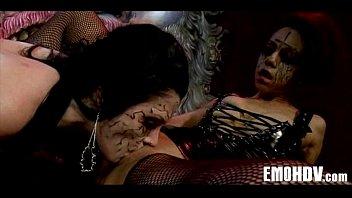 lesbians tongue emo Nova era mg