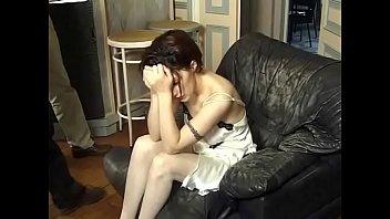 wie kusst du Petitie ebony girl spanked