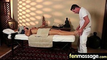 free shemale girl massages por Nude model show