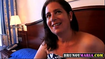 hermano anais se juan de folla Mature woman giving blowjob cum to tits in the sitting roo