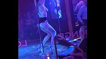 ggg trailer3 titten Hottie chatting topless