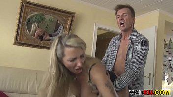 abgespritzt in ihren gegen ihr willen Hot amateur blonde touching her body and masturbating in public