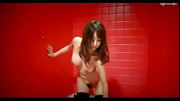 on street japanese girl hunt the Mujer folla hombre con dildo4