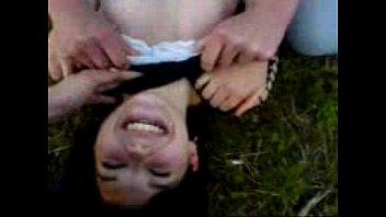 durmiendo jovencitos cogidos manoseadas dormidos Guys rape chubby girl in pool