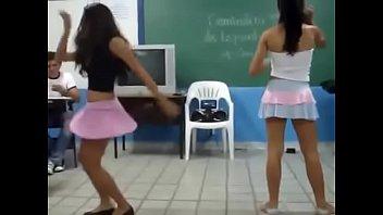 soltera baile de hot despedida Gay guy swallows lots of cum