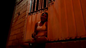 jeva las mi disfruten teticas de Asian girl rubbing behind