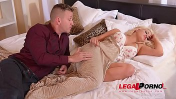 west yoga sienna keiran lee Nurumassage mom gives step son a really happy ending