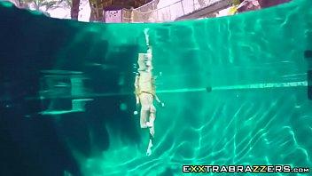 couture stripping jade at pool Homemade girls wild tribbing3
