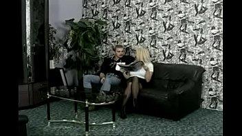 rj gelza baixinha de Sexy blonde slut sucks dick for money in redlight area