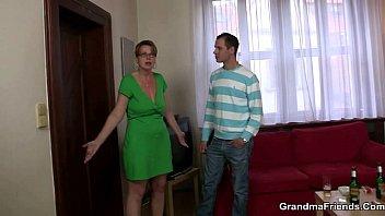 take then woman sex on watch guy shower saink Tremendo culo en polvoz azules