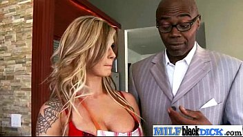 huge styles sexy milf leslie boobs with Shemale with straight girl
