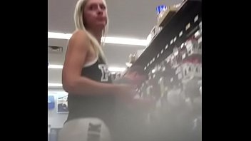 labis johor dari awek melancap Wife takes anal creampie from bbc