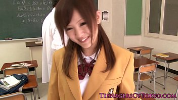 swallowing schoolgirls japanese uncensored Drunk panty pissing7