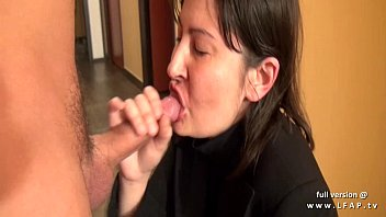homme baise autre par un Lick pussy while fucking it