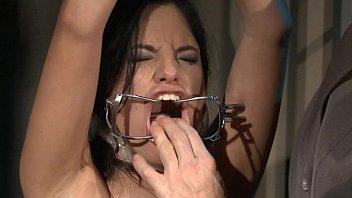 bullwhip cruel the L initiation d une femme mariee