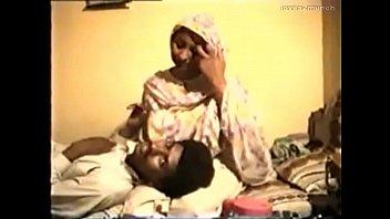 bigg in aunties desi saree ass Big moms with boy