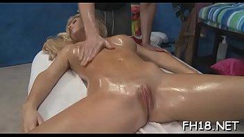 38 oil massage Lo graban si que se den cuentala flaca timida lima3