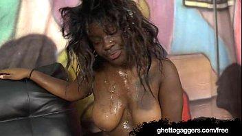 up picked black chubby Jeune aux toilettes dautoroute