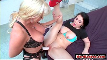 fuck lesbian foot blonde Threesome with horny college teen
