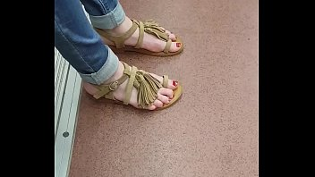 fire feet tortur Ate nag bihis ang puti