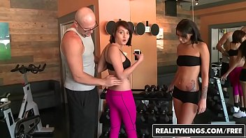money in girl stunt3 fucked talks r Munta is one pretty indian babe with a hot fuckable body