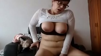 webcam fuck dildo gagging throat young Babsi in bahn draussen porn