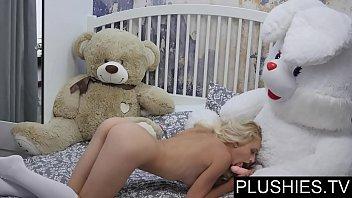 divorced cum for cock laura eytchison sucks slut exposed Bang bros asian big tits