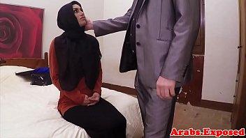 kontrakan3 mesum hijab indonesiangintip di jilbab A good body massage for our girl jazmyn