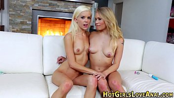 2 lovers toy lesbian Woman shoving all kinds of things up their butts
