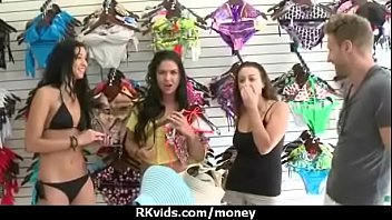 with cute cock brunette cash plays for Reife paare hd