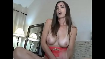 subidos por videos y grabados chavos Pretty milfs are hunted on the christmas eve