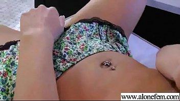 sex gets orgasm during girl Lez feet licking