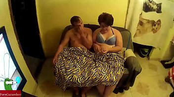 o irmos entre panteras Fat wife wakes up to unwanted creampie