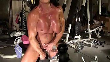porn flip muscle gay hot flop Vistiendose en cama