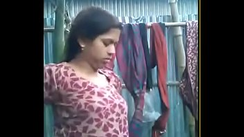 pahani pe gand ne bhabhi bra Lonely wife seduced