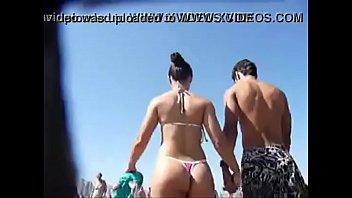 pareja sorprendidos playa en solitaria Woman masterbating in tub underwater