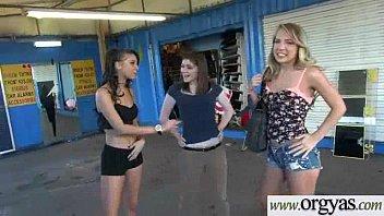 instructor seducing horny tennis Pareja de estudiantes cogiendo en el parquecerrqr